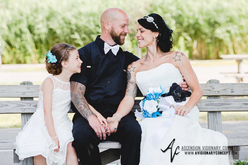 Buffalo-Wedding-Photography-VND-029-Bride-Groom-Summer-Wedding