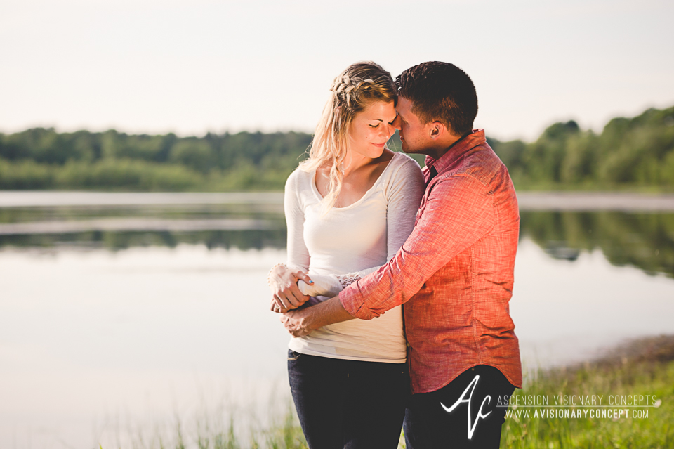 Rochester Engagement Photography 012 - Mendon Ponds Park.jpg