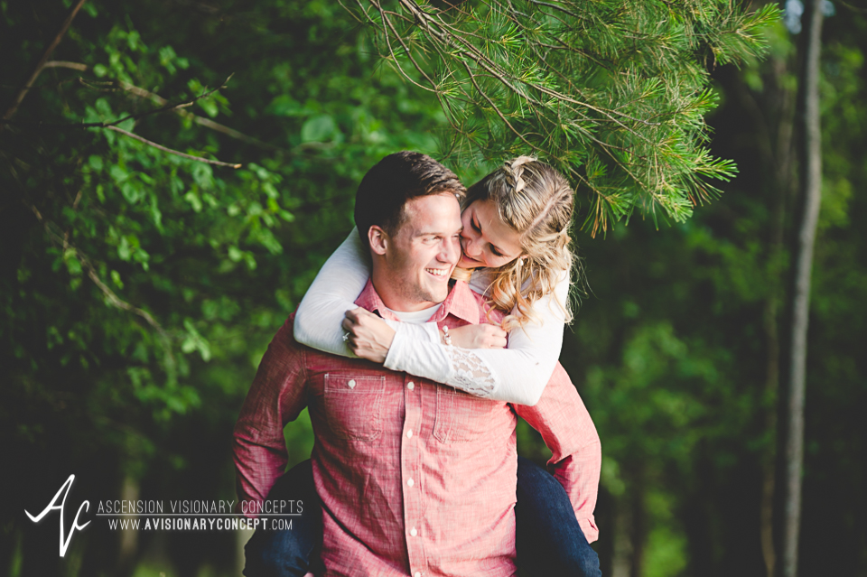 Rochester Engagement Photography 019 - Mendon Ponds Park.jpg