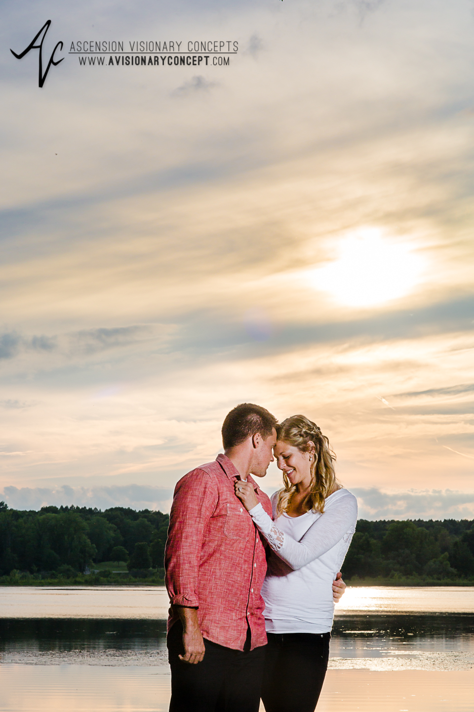 Rochester Engagement Photography 021 - Mendon Ponds Park.jpg