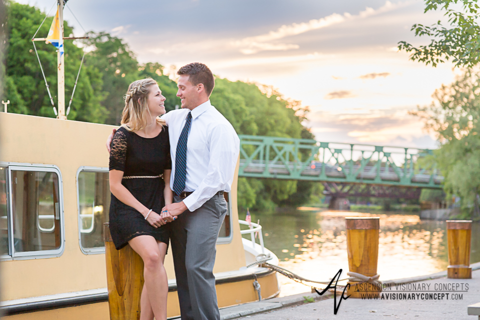 Rochester Engagement Photography 024 - Erie Canal Heritage Trail Pittsford.jpg