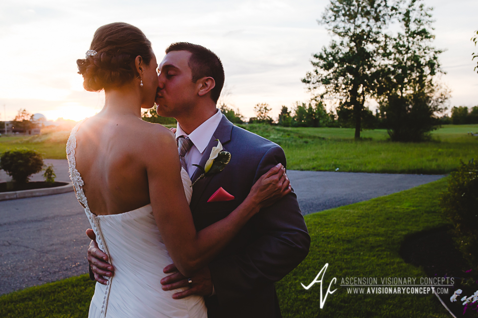 Buffalo Wedding Photography 52 Diamond Hawk Golf Course - Bride Groom Sunset Golden Hour