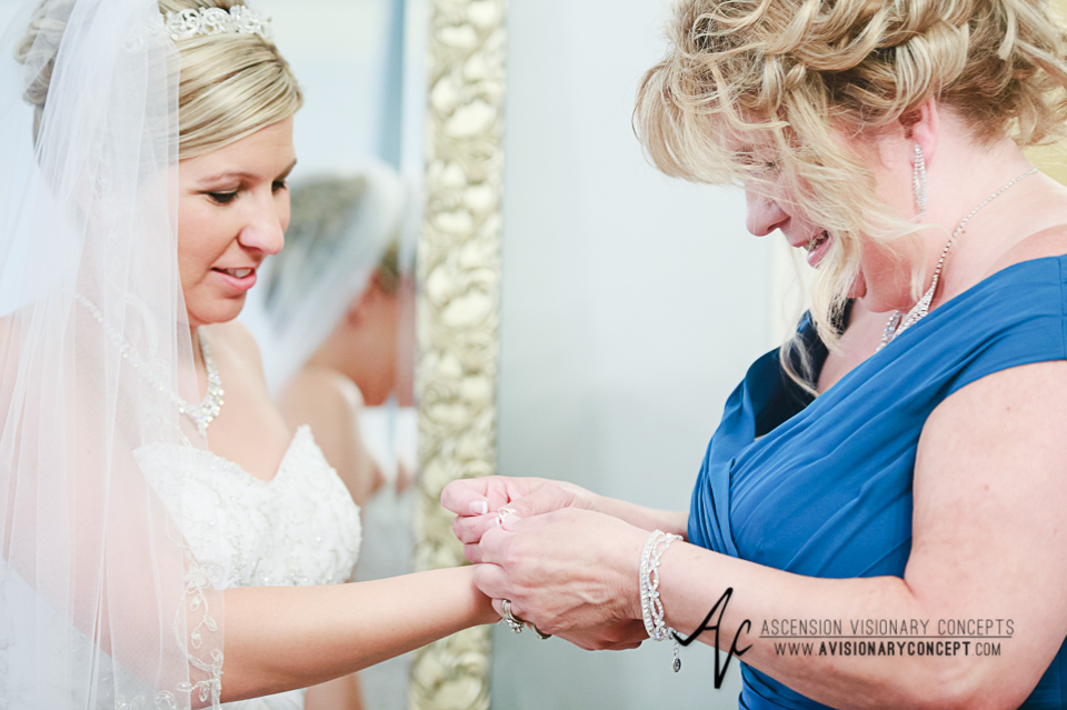 Buffalo Wedding Photography Avanti Mansion 13 Bride Getting Ready.jpg