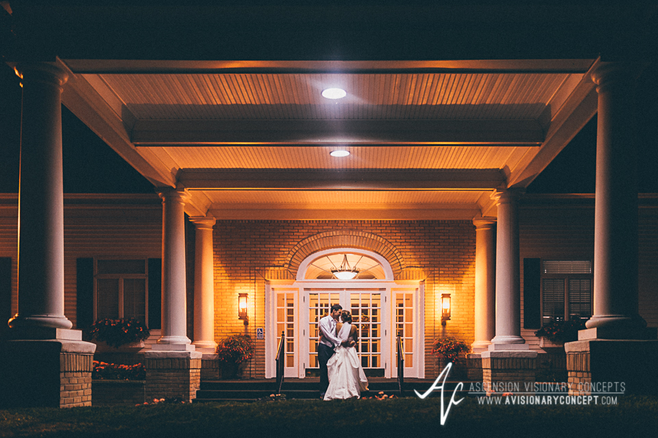 Buffalo Wedding Photography Orchard Park Country Club 070 - Country Club Bride Groom Signature Shot.jpg