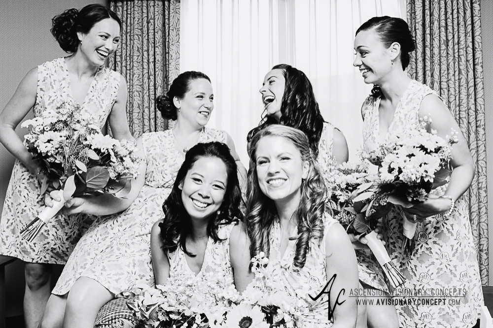 Buffalo Wedding Photography Spring Lake Winery 013 - Bridesmaids Sunflower Bouquets.jpg
