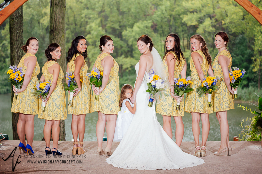 Buffalo Wedding Photography Spring Lake Winery 035c - Bride Bridesmaids Flowergirl Sunflower Bouquet.jpg