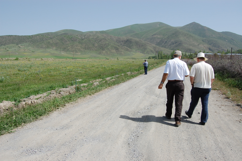Joe and Shen Founder Hayk Minassian, walking along the road into Pambak in 2010.