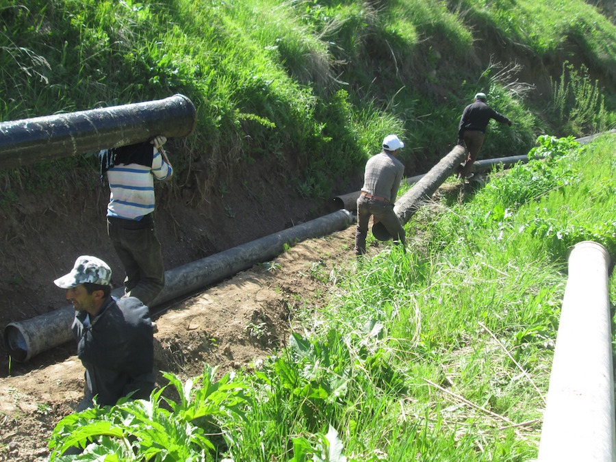 Constructing the water pipeline in Shaghat, 2016