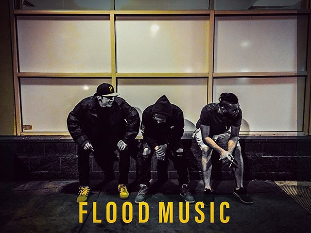 Flood Music Production - audio, recording, mixing, mastering, beat production, graphic design and more ⚡️check out our website - link in bio⚡️ . . #recordingstudio #recordingartist #musicproducer #newmusic  #musicproduction #hiphop #rap #songwriter #audio #beats #beatmaker #beatsforsale #soundcloud #floodmusicproduction #sfv #california #networking #namm