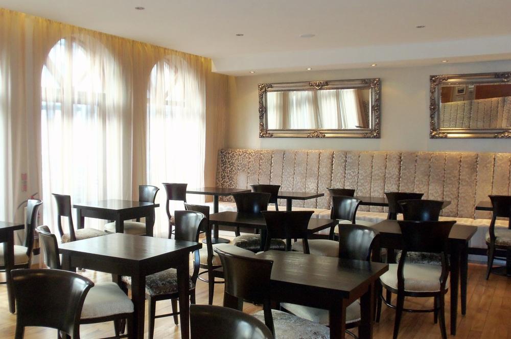 Tara Lodge - Breakfast room