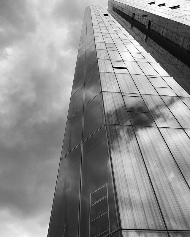 #photography #blackandwhite #london #architecturephotography #architecture #canarywharf