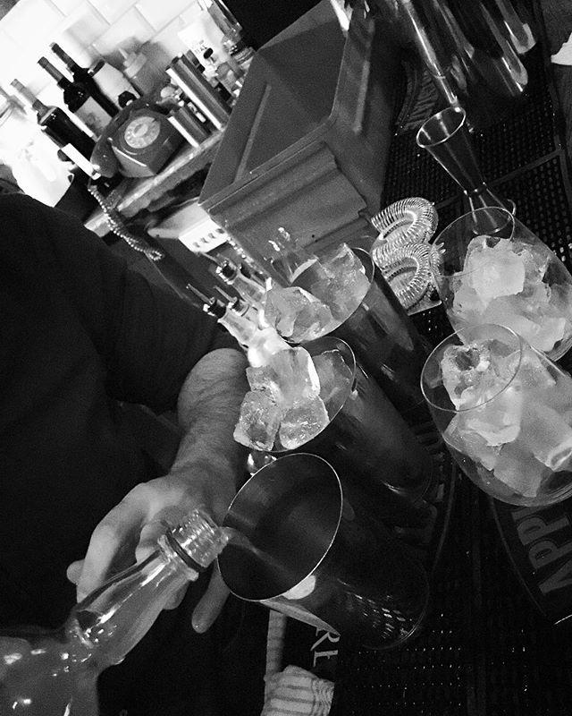 #friendshipgoals #friends #drinks #cocktail #london #lifeofadventure #kingscross