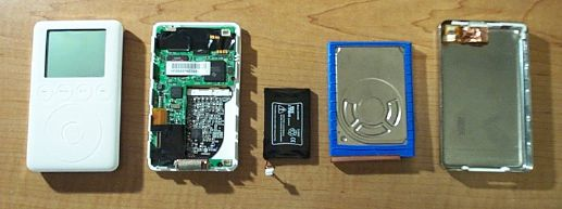 3rd Generation iPod, disassembled.