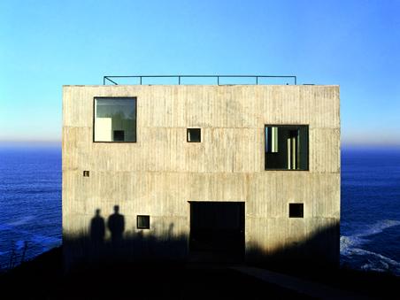 poli house - pezo von ellrichshausen - 03.jpg