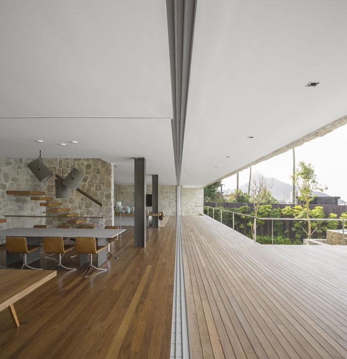 8-Arthur-Casas-casa-AL-rio-brazil-photo-fernando-guerra-yatzer.jpg