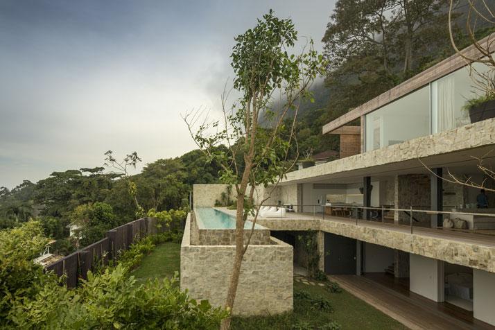 22-Arthur-Casas-casa-AL-rio-brazil-photo-fernando-guerra-yatzer.jpg