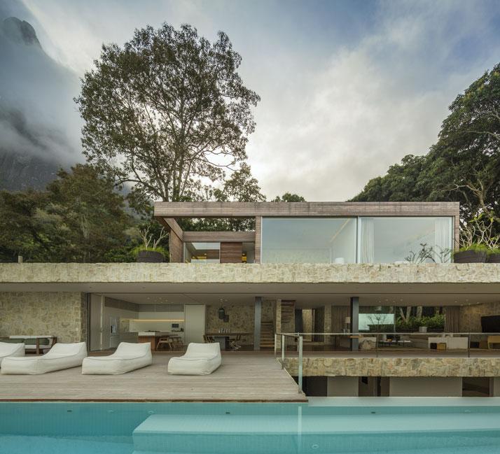 21-Arthur-Casas-casa-AL-rio-brazil-photo-fernando-guerra-yatzer.jpg