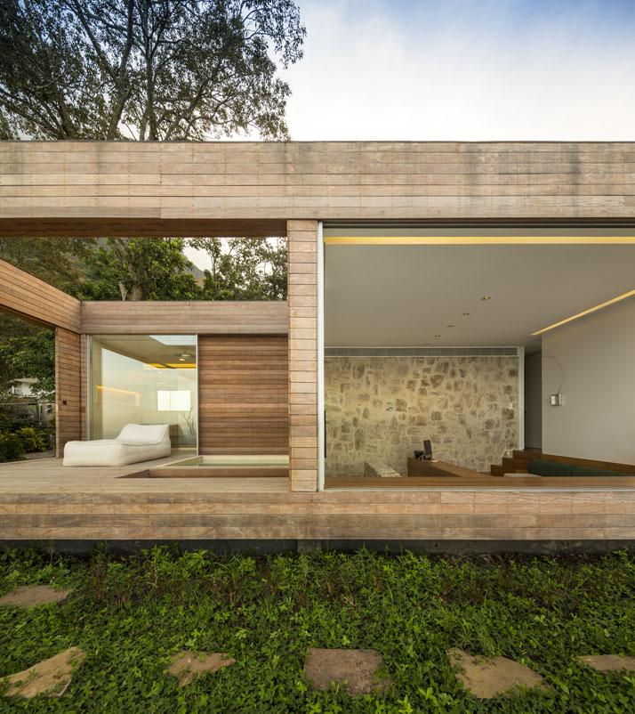 17-Arthur-Casas-casa-AL-rio-brazil-photo-fernando-guerra-yatzer.jpg