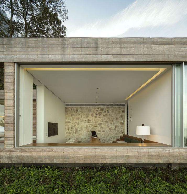16-Arthur-Casas-casa-AL-rio-brazil-photo-fernando-guerra-yatzer.jpg