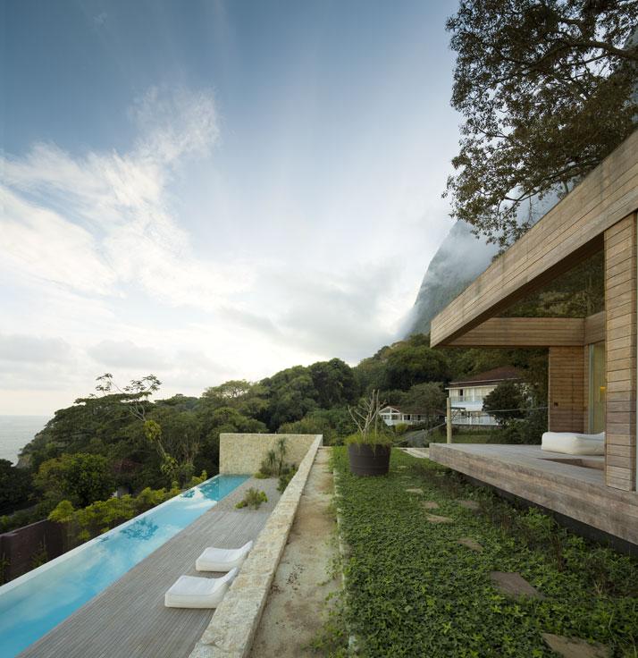 14-Arthur-Casas-casa-AL-rio-brazil-photo-fernando-guerra-yatzer.jpg