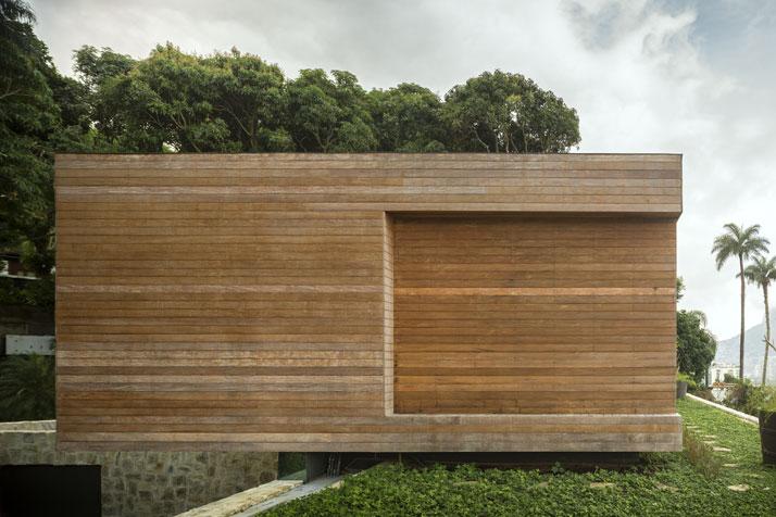 20-Arthur-Casas-casa-AL-rio-brazil-photo-fernando-guerra-yatzer.jpg
