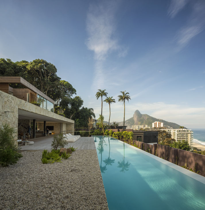 12-Arthur-Casas-casa-AL-rio-brazil-photo-fernando-guerra-yatzer.jpg