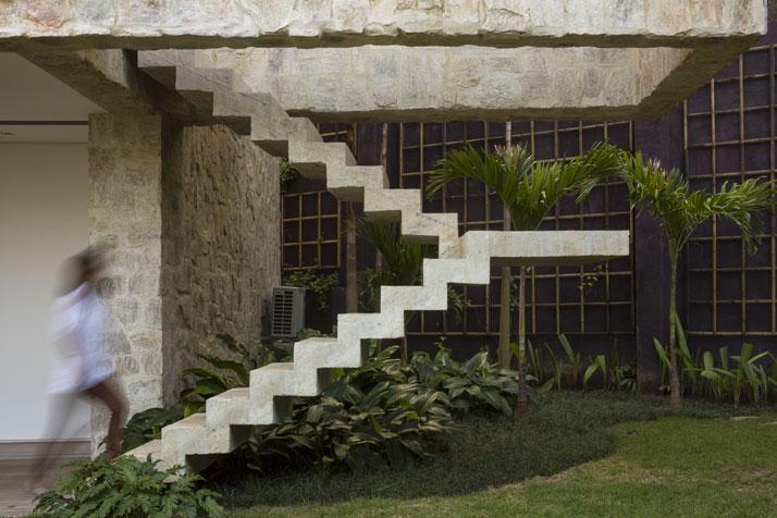 5-Arthur-Casas-casa-AL-rio-brazil-photo-fernando-guerra-yatzer.jpg