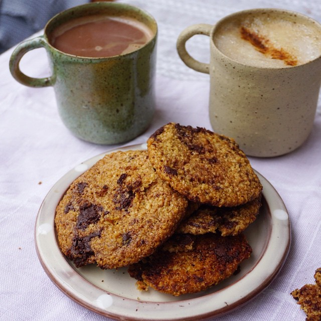 Ohhw_and_what_a_yummy_snack_moment_we_have___Spicy_hot_chocolate_for_me_and_cinnamon_coffee_for_her__both_with_oat-milk__so_good__._With_leftover_Salt_n_Pepper_Chocolate_Chip_Cookies_from_last_week_s_wonderful__mynewroots_cooking_classes.__It_was_so_.jpg
