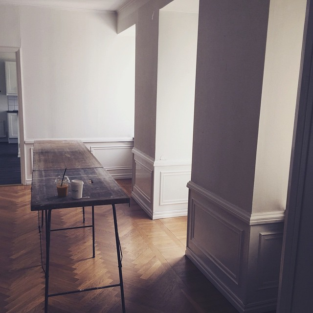 First_morning_in_our_new_apartment___by_hannamw.jpg