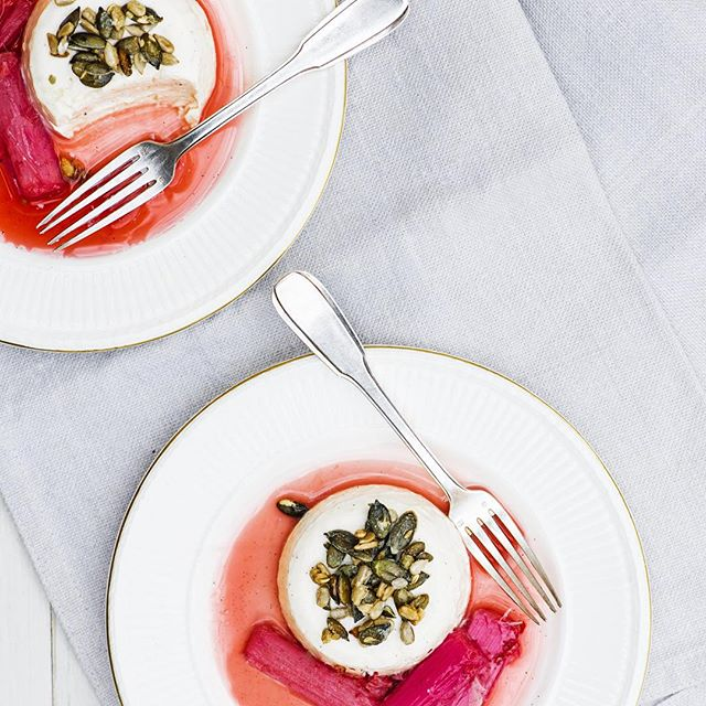 Anna_Hansen_s_vanilla__rhubarb___lemongrass_pannacottas_with_candied_seeds_is_the_one._How_dreamy_is_that_____themodernpantry__thecollectiveuk_by_issycroker.jpg