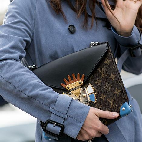 Streetstyle-Taschen-von-Louis-Vuitton-inlineImageCentered-7b7dd4a4-384693.jpg
