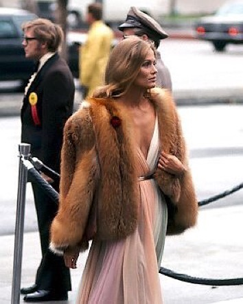 Love_this_style__powerwomen__laurenhutton__lovestories_by_lovestoriesintimates.jpg