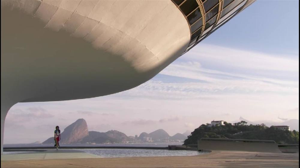 Can_the_set_be_any_more_dramatic___Niemeyer_meets__LouisVuitton__LVcruise__Rio__Brasil_by_philippemeert.jpg