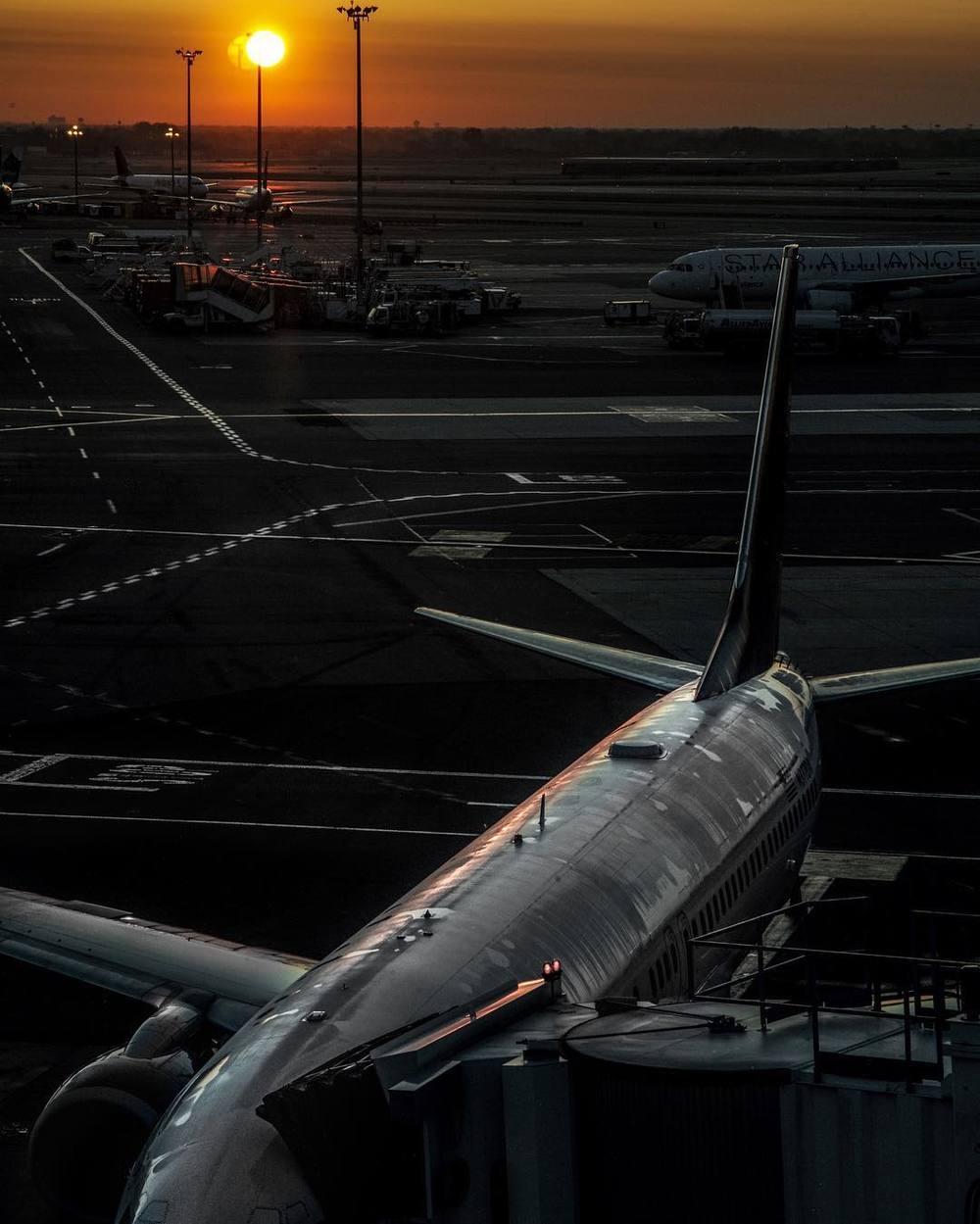 JFK__SFO_by_danielarsham.jpg