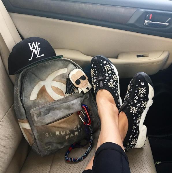 Eva Chen - Instagram - Fashion - Editor13.png