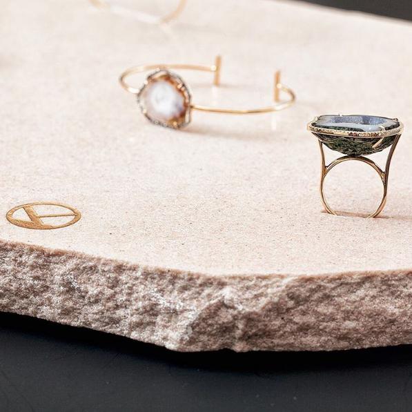 karolinstudio-jewelry-rings-bracelets-preciousstone15.png