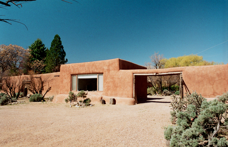 new_mexico_Georgia_Okeeffe_home_abiquiu1.png
