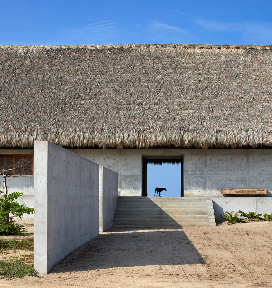 Casa-Wabi_Bosco-Studio-House_Tadao-Ando_Puerto-Escondido_Oaxaca_Mexico_dezeen_936_1.jpg
