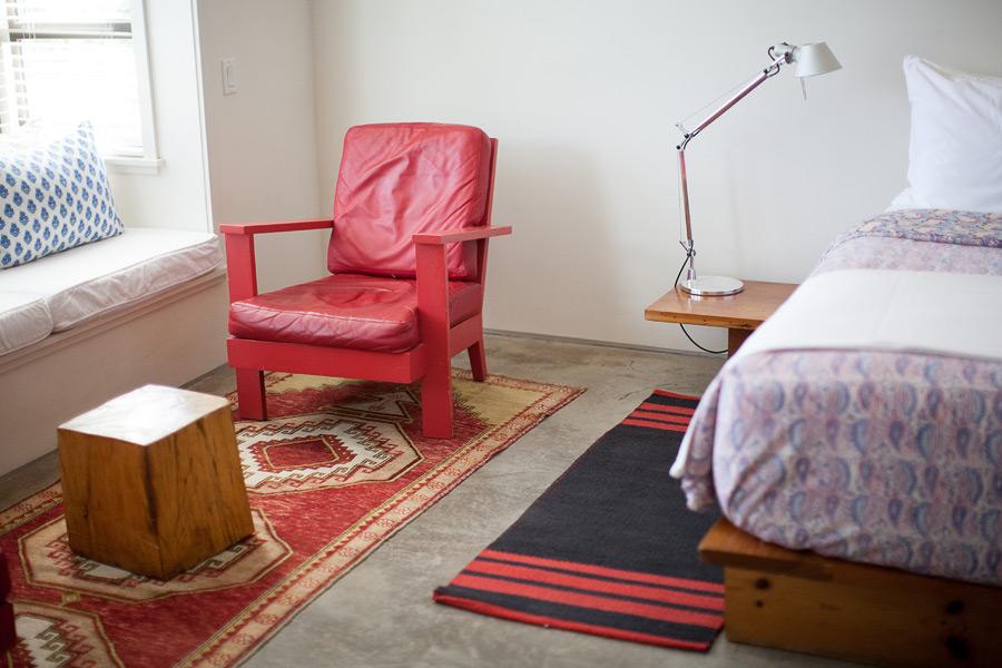hotelsanjose-courtyardsuite-furniture.jpg