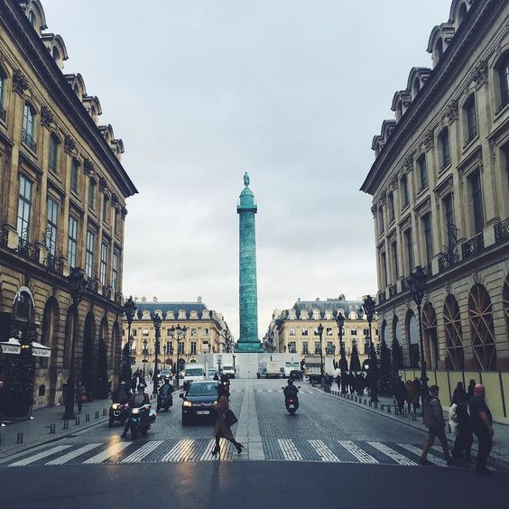 to see walk around /place vendome