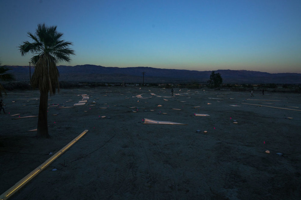 Desert-X-Tavares-Strachan-1050x700.jpg