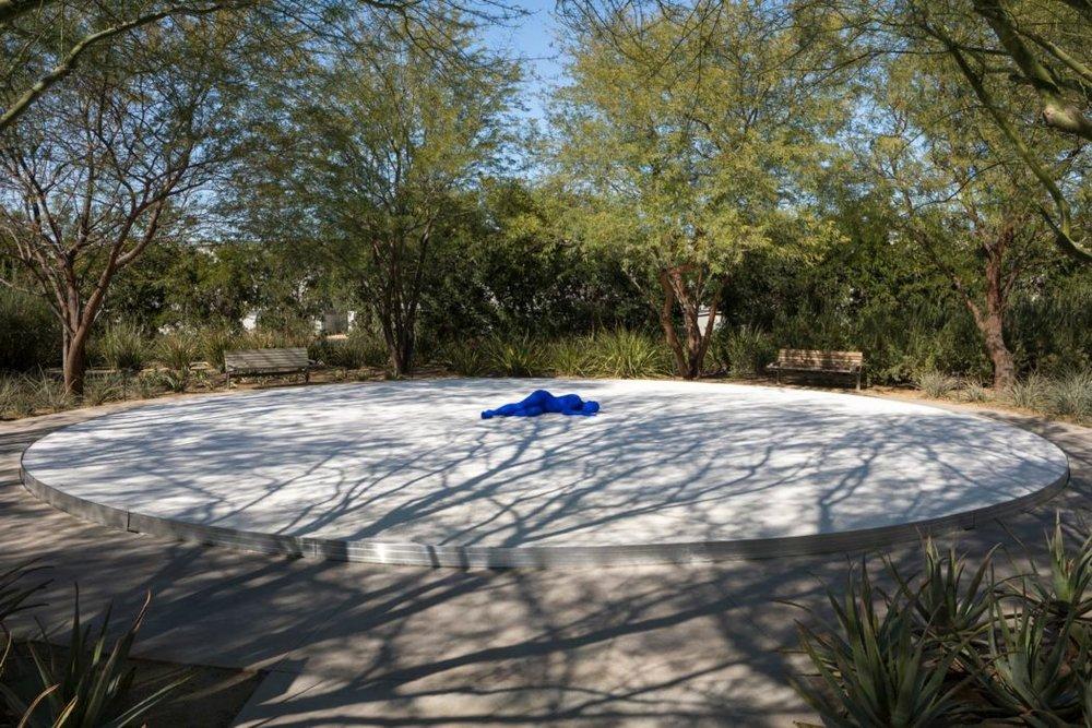 Desert-x-Lita-Albuquerque-1-Lance-Gerber-1050x700.jpg