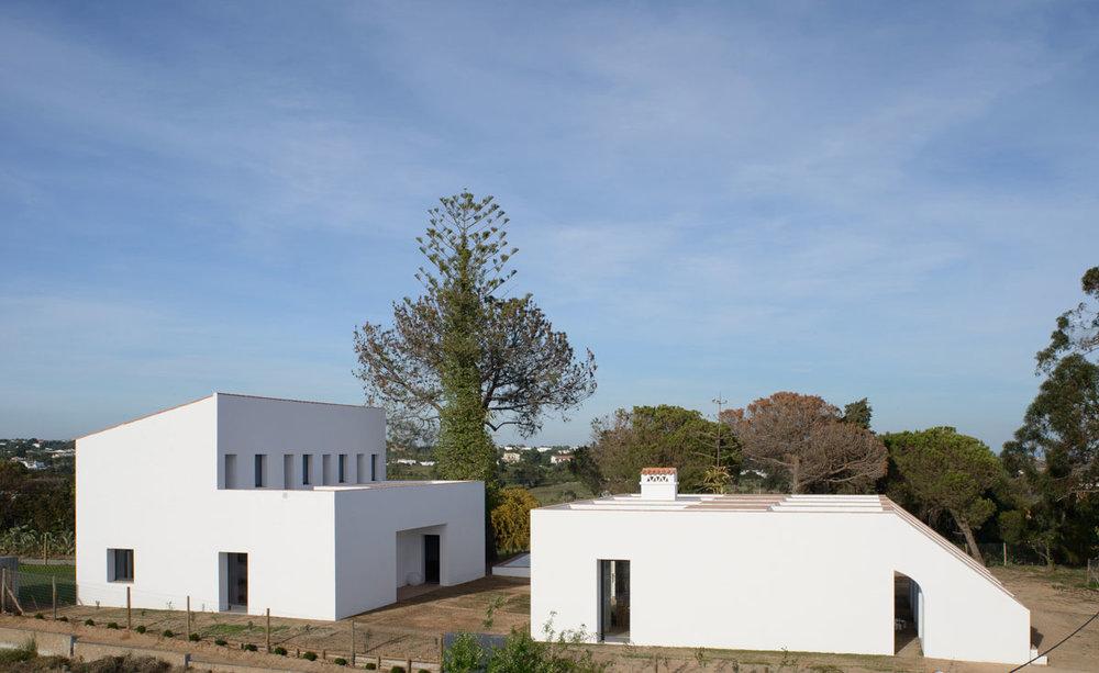 casa-modesta-portugal-03.jpg