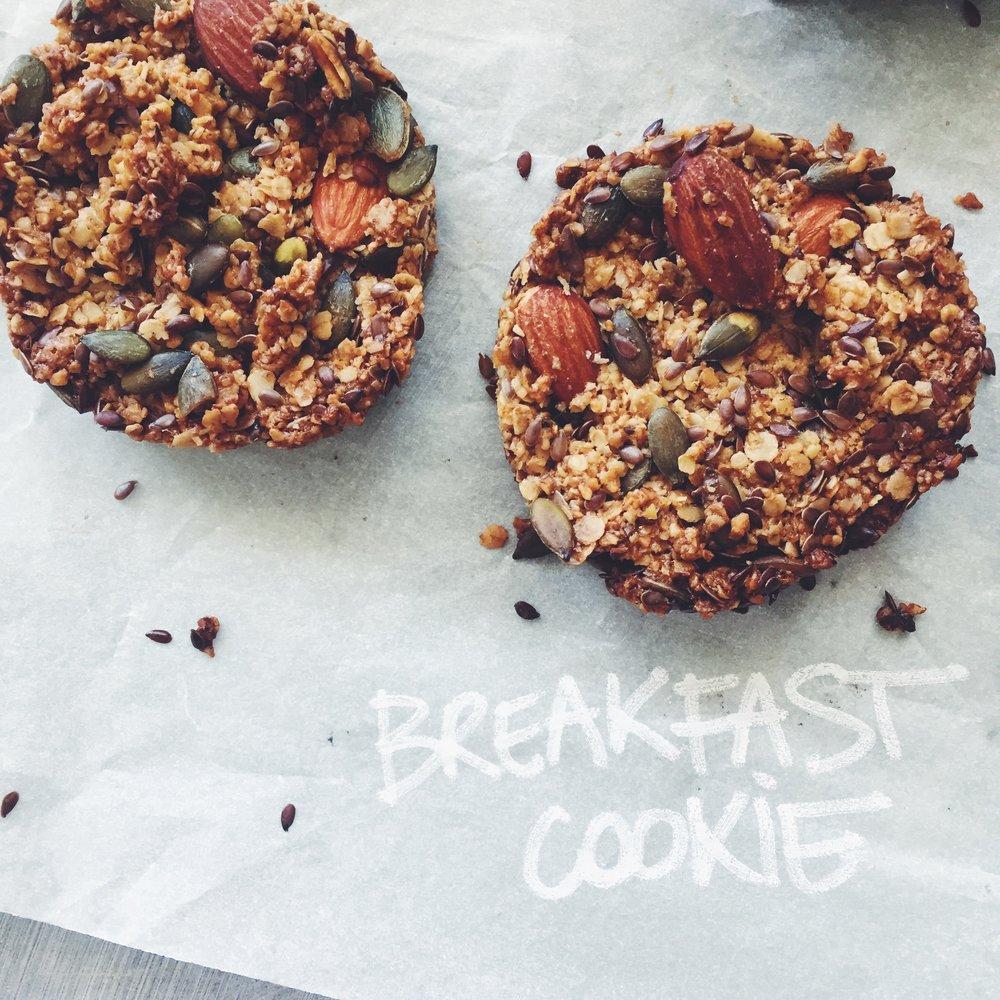 lppbreakfastguide-lppcookbook-lespetitespestes-breakfastcookie4.jpg
