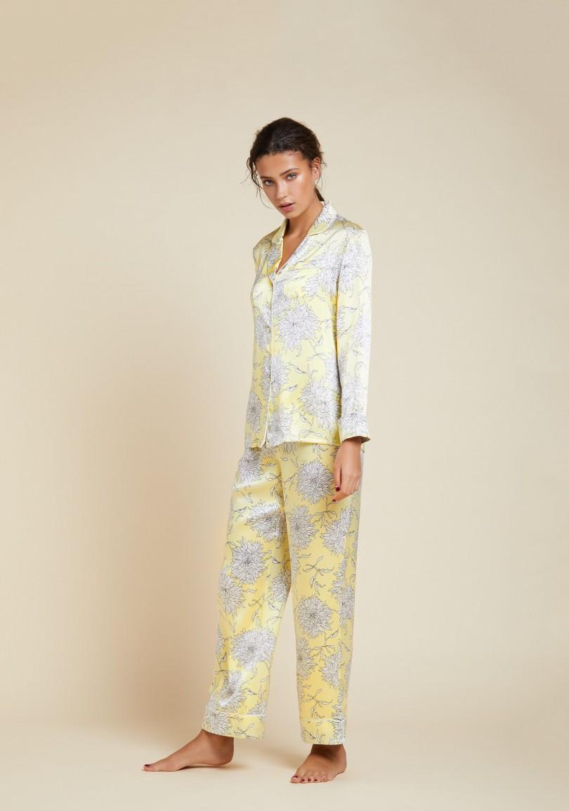 olivia-von-halle-lila-kira-silk-pyjama-yellow-front-view-aw1806.jpg