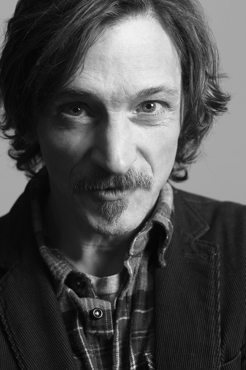 JOHN HAWKES - INSTYLE