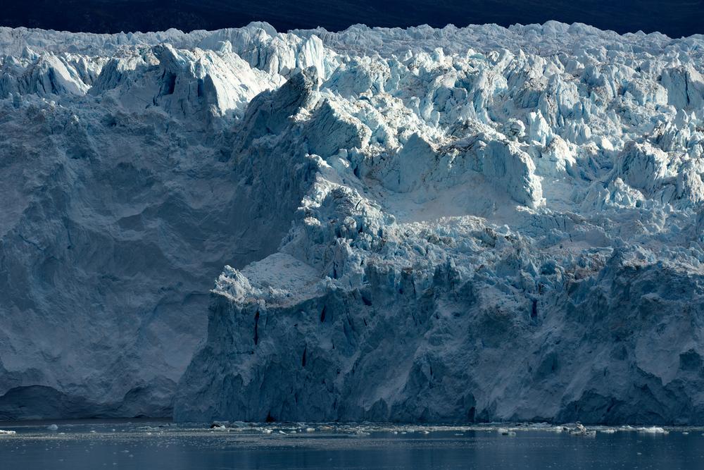 Der Eqi Gletscher im Morgenlicht (Disko-Bay, Grönland) • Nikon D810, Nikon AF-S VR 80-400 @ 400mm, ISO 100, f11, 1/200s, Stativ © Stephan Fürnrohr