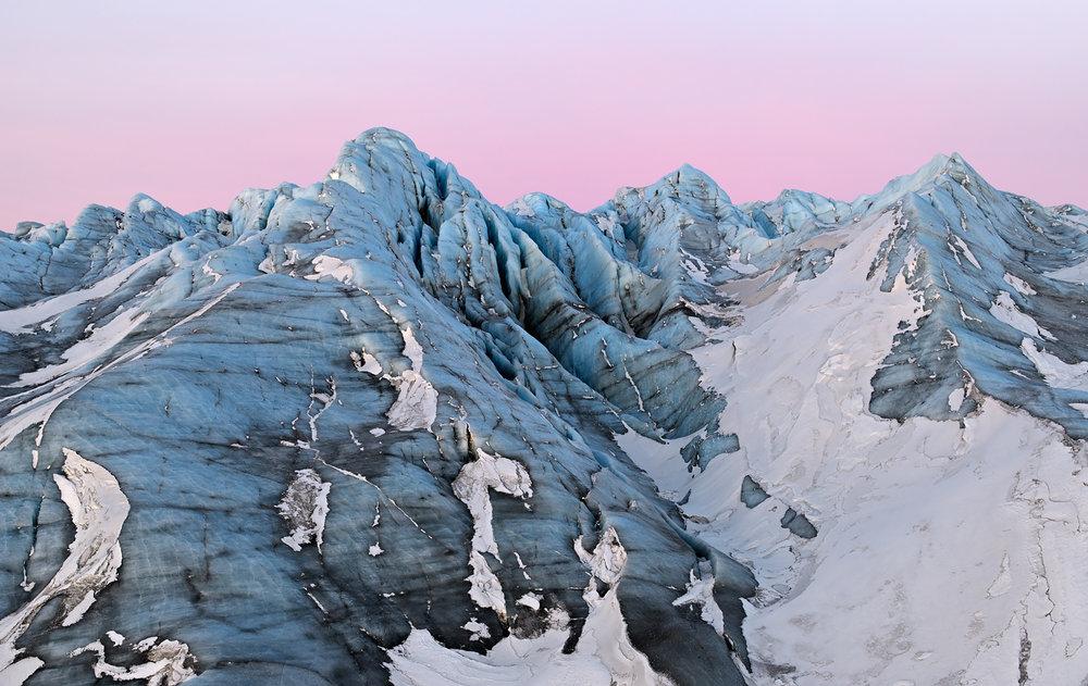"""""""Mountains, So Strange"""" - die Rosa Stunde am Rand des Inlandeises"""