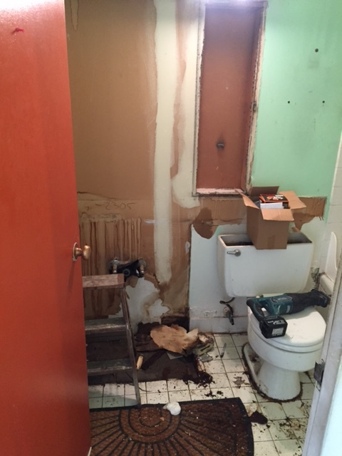Original Bathroom 2.jpg