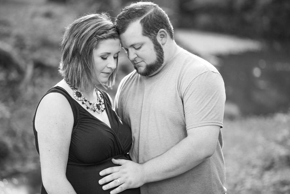 Maternity_Session_Water_Lynchburg_VA20150625_0017.jpg